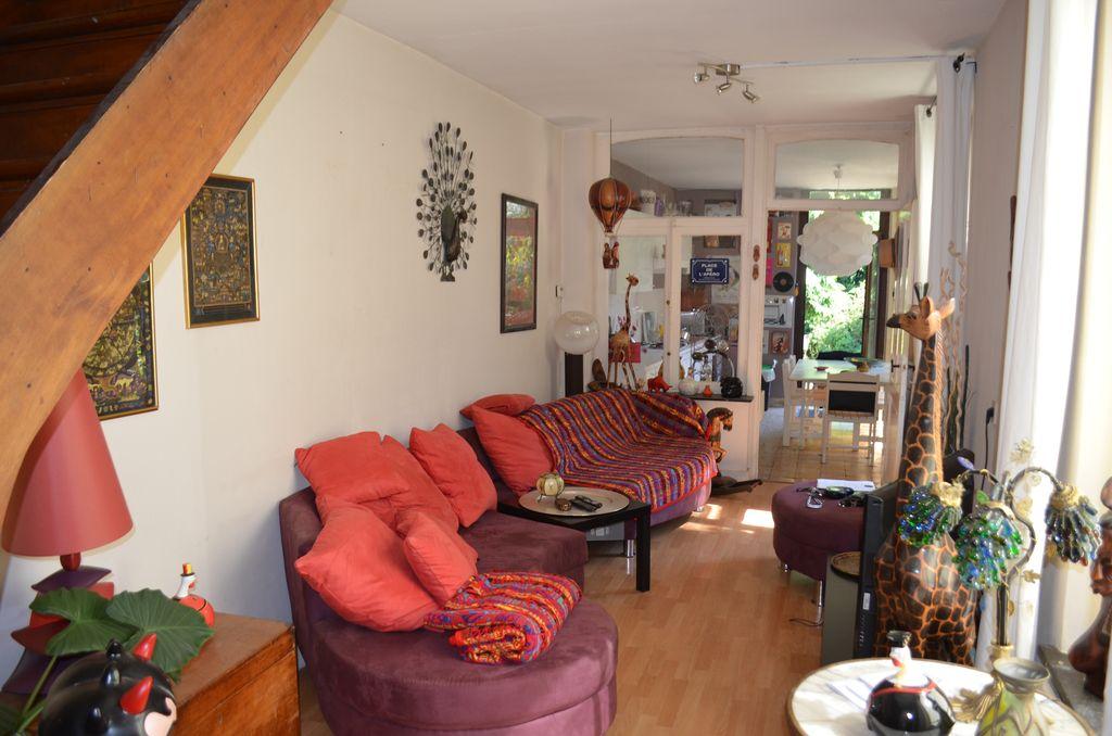Appartement sur 3 niveaux avec jardin for Jardin 2 niveaux